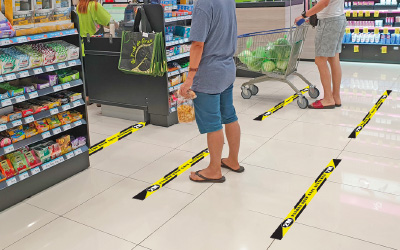 Merkitse lattiaan turvavälietäisyydet